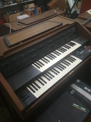 órgano crumar 920