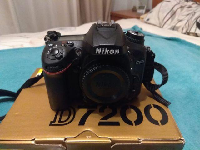 Nikon D7200 + 2 objetivos y accesorios