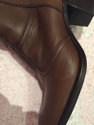 Botas piel marrón