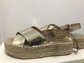 Sandalias plateadas talla 38