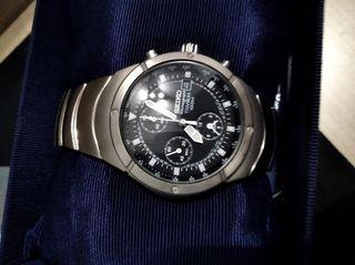 Reloj Seiko Titanium 100m