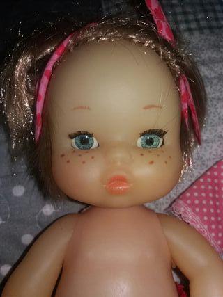 muñeca de Famosa made in spain