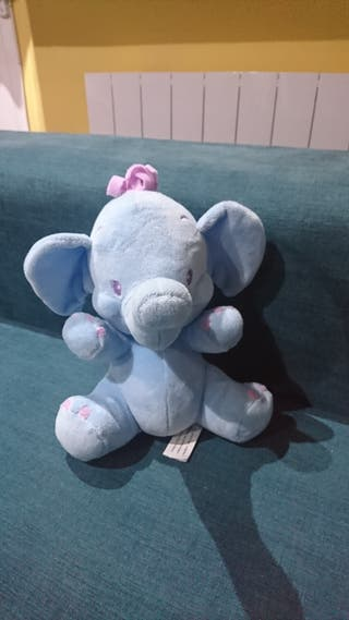 elefante de peluche sonajero, 3x2 en peluches