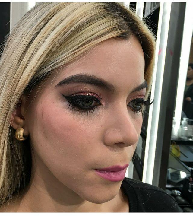 maquilladora - makeup artist