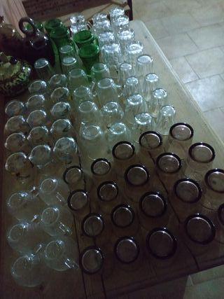 vasos y jarras de cristal