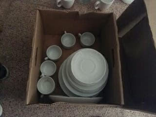 Vajilla porcelana blanca marca CIM 6 Tazas 6 Plato