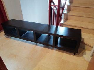 consola o mueble para TV con ruedas