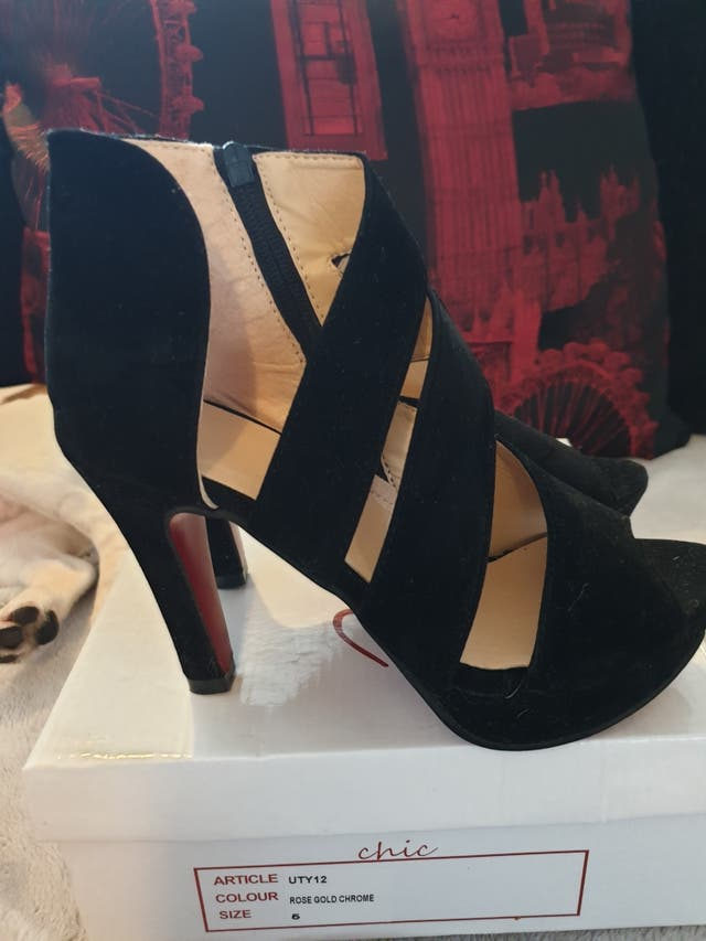 New in box, stunning suede midi heel. size 5.
