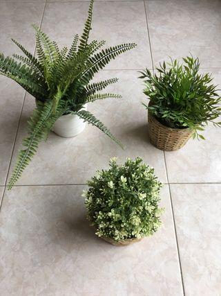 Macetas de ikea con plantas artificiales