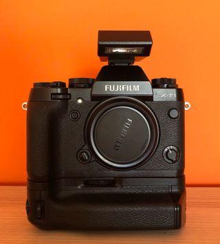 Fuji XT-1 + grip + flash + batería + SD card