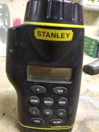 Medidor de Áreas y Distancias Stanley