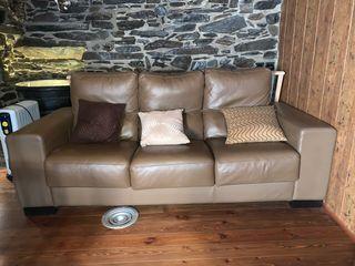 Sofá de piel tres plazas