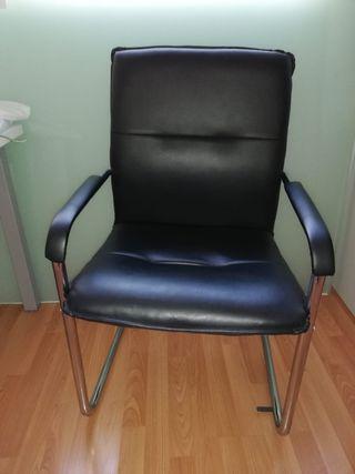 Se venden 4 sillas de oficina y consulta