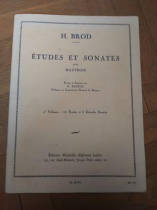 Libro: Estudios y sonatas para oboe. H. Brod