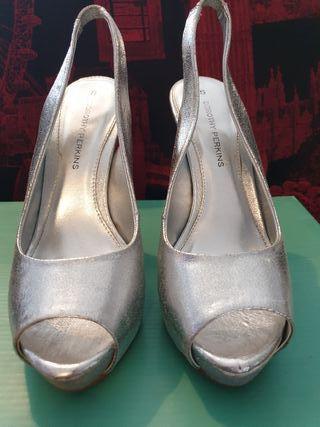 Dorothy Perkins peep toe silver sling back. Size 5