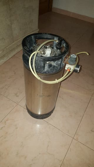 depósito agua destilada
