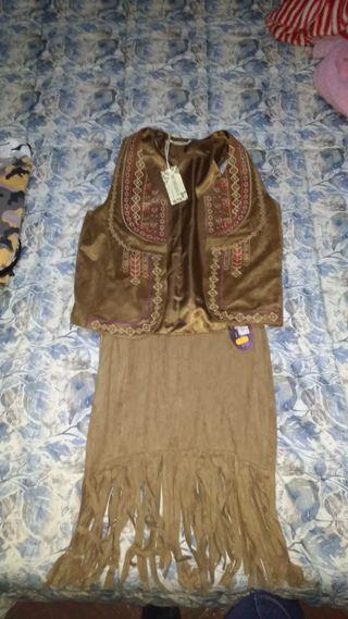 conjunto de falda y chaquetilla.