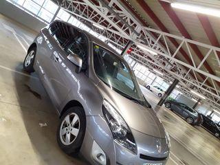 Renault Grand Scenic 2010
