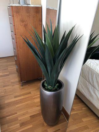 Macetero + planta aloe artificial