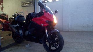 vendo hyosung gtr 125 con motor 250