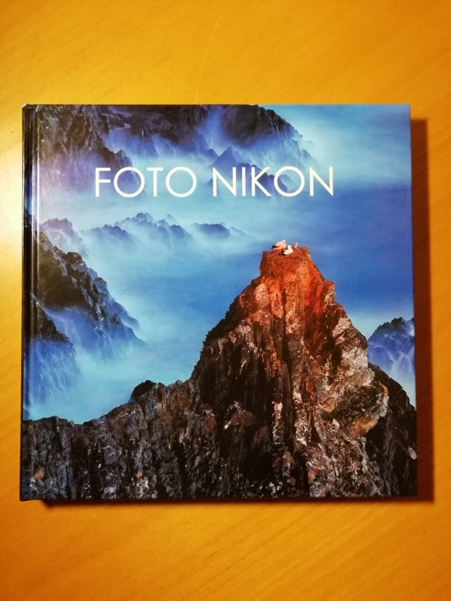 Cámara Nikon D5100 + objetivos 18-55/55-200