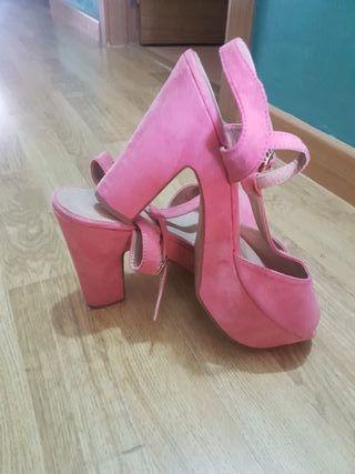 preciosas sandalias color melocotón