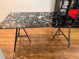 Mesa vidrio con caballetes IKEA