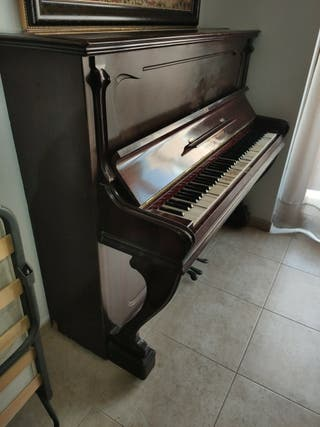 piano de pared para restaurar