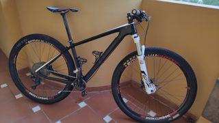 Bicicleta mtb CUBE ELITE RACE C62