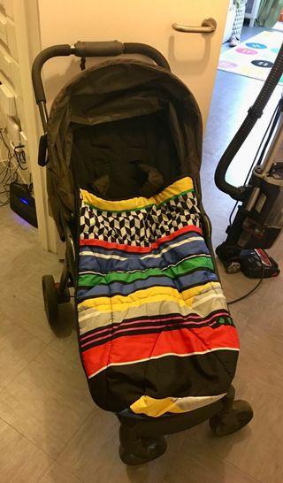 Foldable mamas and papas pushchair bundle