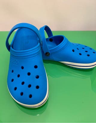Zapatos de caucho crocs equivalente a 39-40