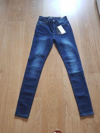 Pantalon de Sfera talla 38 sin estrenar.