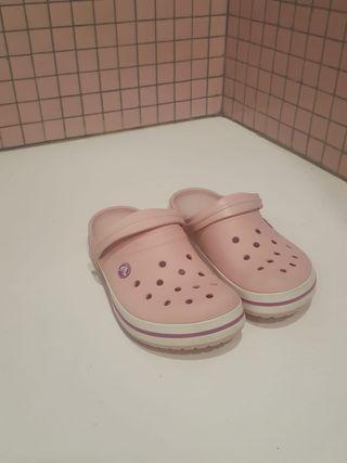 Zueco crocs rosa palo talla 38