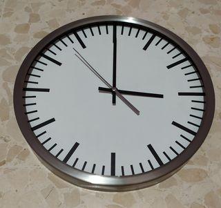 Reloj Pared Ikea Skarp.