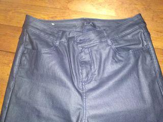 Pantalones Vila polipiel azul talla L