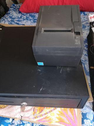 Caja registradora e impresora