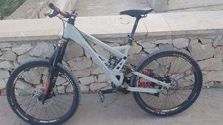 bicicleta de montaña en perfecto estado