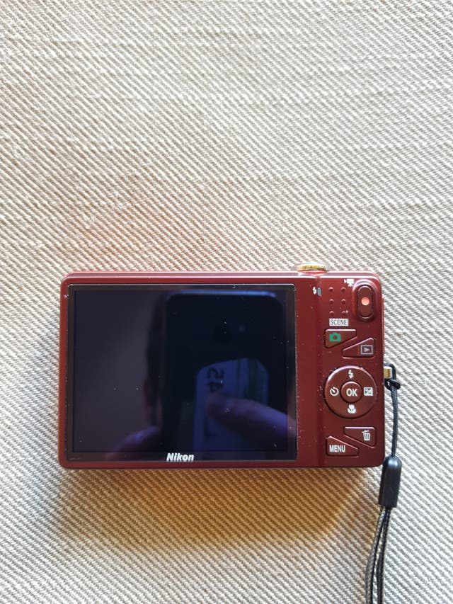 Nikon Coolpix 16MP