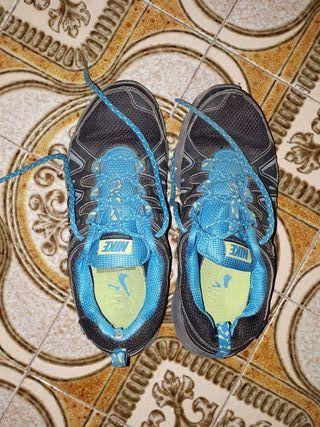Zapatillas deportivas Nike para correr y trekkking