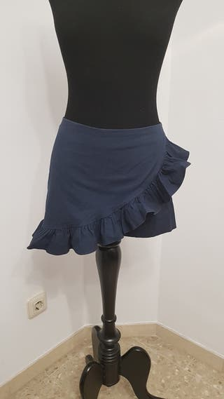 Falda pantalón con volante de Zara