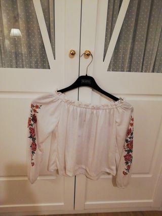 blusa manga larga talla xs, con la etiqueta