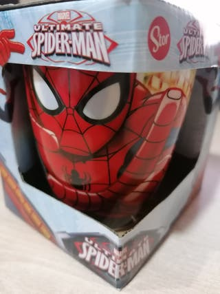 Taza de spiderman sin usar, con la caja.