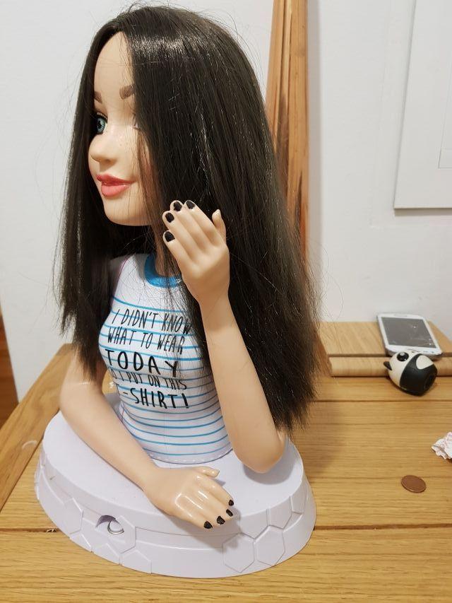 Cabeza de muñeca para peinar y maquillar