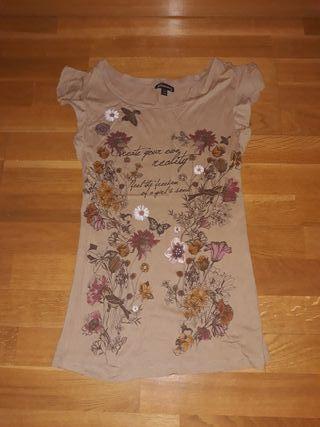URGE camiseta Stradivarius