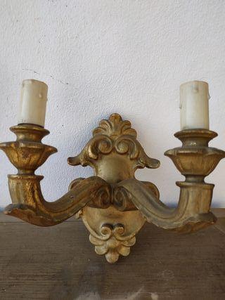 Lámpara de pared de madera