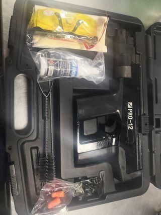 Pistola de pólvora Desa PRO-12