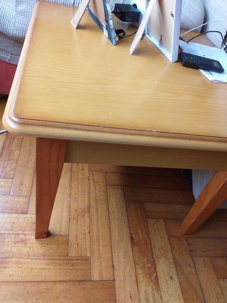 mesa salón pequeña