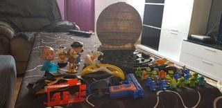 juguetes variados