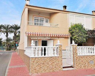 Casa adosada en venta en El Acequión - Los Naúfragos en Torrevieja