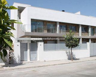 Casa adosada en venta en La Siesta - El Salado - Torreta en Torrevieja